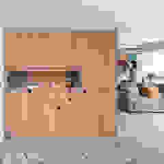 راهرو مدرن، راهرو و راه پله توسط 禾光室內裝修設計 ─ Her Guang Design مدرن