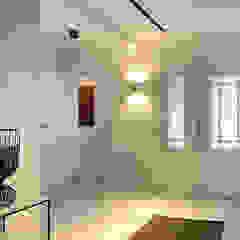 Luxe woonhuis Moderne gangen, hallen & trappenhuizen van ZO ingericht Modern