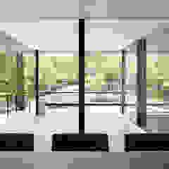 060軽井沢Kさんの家 モダンデザインの テラス の atelier137 ARCHITECTURAL DESIGN OFFICE モダン タイル