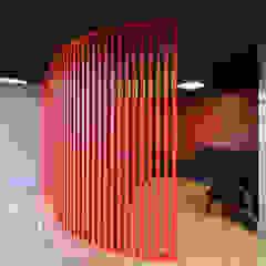 Rénovation, design et agencemement d'une etude notariale en région parisienne. Espaces de bureaux modernes par Alessandra Pisi / Pisi Design Architectes Moderne Bois Effet bois