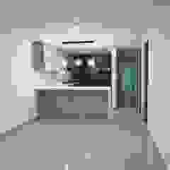 Remodelación completa de casa de Remodelaciones Luján Moderno Aglomerado