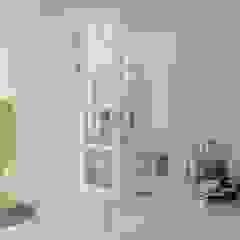 od 理絲室內設計有限公司 Ris Interior Design Co., Ltd. Klasyczny Drewno O efekcie drewna