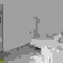 من 理絲室內設計有限公司 Ris Interior Design Co., Ltd. كلاسيكي خشب رقائقي