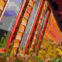 من BRUNTHALER Massivholzhaus كلاسيكي خشب متين Multicolored