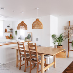 Country style kitchen by 로하디자인 Country
