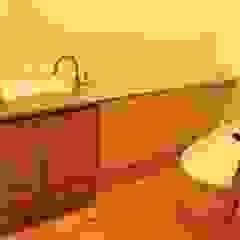 「 Yoka 」III 北欧スタイルの お風呂・バスルーム の 株式会社高野設計工房 北欧