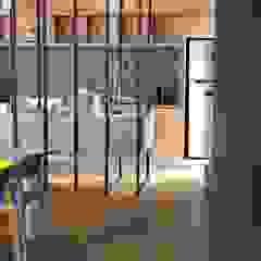 Centros Comerciais industriais por Tumburus Lucas - Diseño y Arquitectura Interior Industrial Ferro/Aço