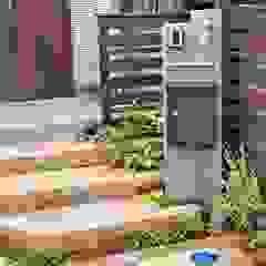アイアンやクラシカルなレンガを使ったアンティーク感あふれるエクステリア の 匠ガーデン クラシック レンガ