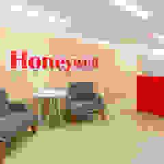 Honeywell Pasillos, vestíbulos y escaleras de estilo industrial de Diego Rojas Fotografía Industrial
