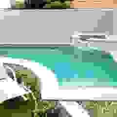 Escavação manual de piscinas em Fortaleza por Garoba: Escavação manual de piscinas em Fortaleza Minimalista