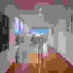 Casa LME Corredores, halls e escadas clássicos por Viviane Cunha Arquitectura Clássico