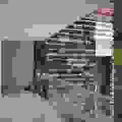 Casa 97A Pasillos, vestíbulos y escaleras de estilo moderno de TALLER 11 Arquitectos Moderno Mármol