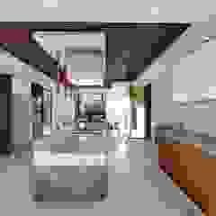 Hyde Park Luxury residence Modern kitchen by FRANCOIS MARAIS ARCHITECTS Modern