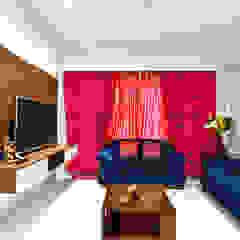 Salas de estar asiáticas por HomeLane.com Asiático