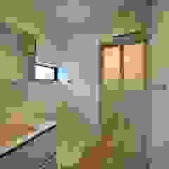濃藍の家 北欧スタイルの お風呂・バスルーム の ユウ建築設計室 北欧