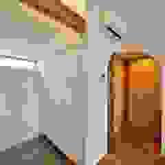 荒川の複合住宅 モダンスタイルの プール の ユウ建築設計室 モダン