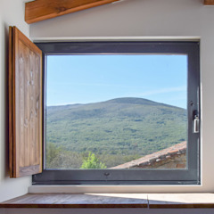Country style windows & doors by METRIA Country Aluminium/Zinc