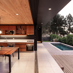 AFARQ Arquitectos Minimalist dining room