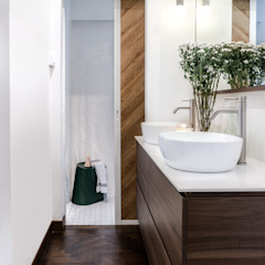 Bathroom Distinctidentity Pte Ltd Modern bathroom Wood White