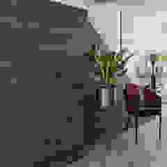 Entrance Hall Distinctidentity Pte Ltd Modern corridor, hallway & stairs