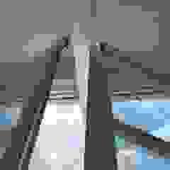 Industrial style doors by INALUV Diseño y Soluciones Industrial Aluminium/Zinc