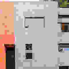 por RAMLE Arquitectos Moderno