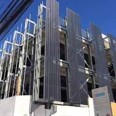 من Yañez y Muñoz Arquitectos صناعي الألومنيوم / الزنك