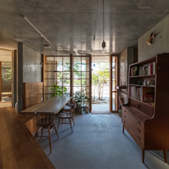 器屋さんのある住宅 モダンデザインの ダイニング の CO2WORKS モダン