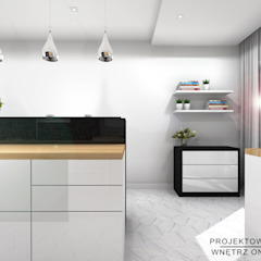Projekt kuchni z jadalnią biel, czerń, drewno i hexagony od Projektowanie Wnętrz Online Nowoczesny