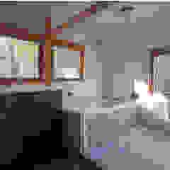伊豆天城高原の別荘 ーDOVE VAIー オリジナルスタイルの お風呂 の 松井建築研究所 オリジナル