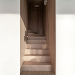 arctitudesign Minimalist corridor, hallway & stairs