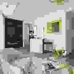 Apartament pod Wawelem od Perihdesign Studio Projektowe Karolina Perih-Kamecka Klasyczny Kamień