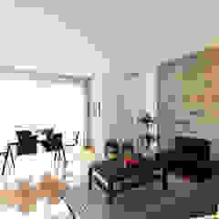 Apartamento T2 moderno na Ajuda -Lisboa Salas de estar modernas por Lisbon Heritage Moderno