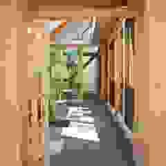 por 一級建築士事務所 青木設計事務所 Asiático Azulejo