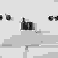 Interior Design second home Moderne badkamers van InHouse Design Modern