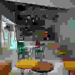 Lodziarnia Gelato Studio w Zabrzu od Archi group Adam Kuropatwa Minimalistyczny