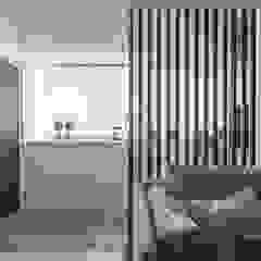 Hotéis escandinavos por 你你空間設計 Escandinavo Madeira Efeito de madeira