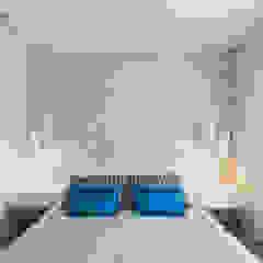 Minimalist bedroom by Mariline Pereira - Interior Design Lda. Minimalist