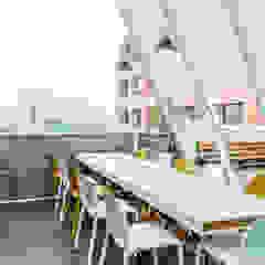 Modern balcony, veranda & terrace by Grupo enobra Modern Wood Wood effect