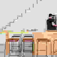 Arquiteto Rio de Janeiro - RJ (21) 98785-9551 Whatsapp Cocinas de estilo moderno Compuestos de madera y plástico Acabado en madera