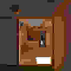 Salas multimedia asiáticas de 水野設計室 Asiático