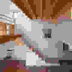 van FUMIASO ARCHITECT & ASSOCIATES/ 阿曽芙実建築設計事務所 Eclectisch