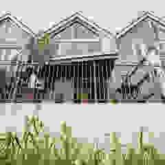 Exterior view of balcony, glazed balustrade and high-level window Rumah Modern Oleh dwell design Modern
