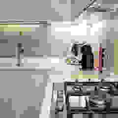 Modern kitchen by Architetto Luigia Pace Modern Wood Wood effect