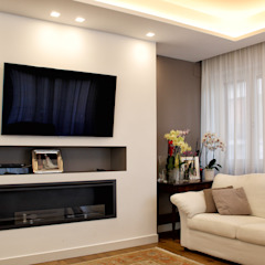 Classic style living room by Architetto Luigia Pace Classic Wood Wood effect
