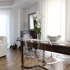 Classic style living room by Architetto Luigia Pace Classic Plastic