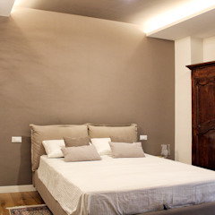 Classic style bedroom by Architetto Luigia Pace Classic Wood Wood effect