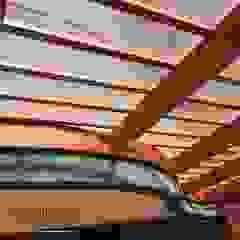 Sol y Sombra - Terraza en Surco Balcones y terrazas tropicales de YR Solutions Tropical