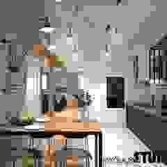 Apartament na strychu Industrialna kuchnia od MIKOŁAJSKAstudio Industrialny