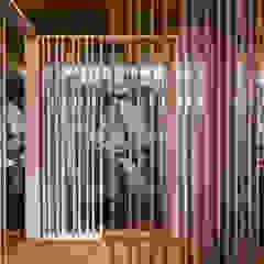 من GruppoTre Architetti أسيوي خشب Wood effect
